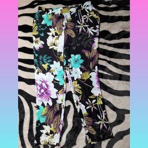Floral Worthington Slim Fit Dress Capris